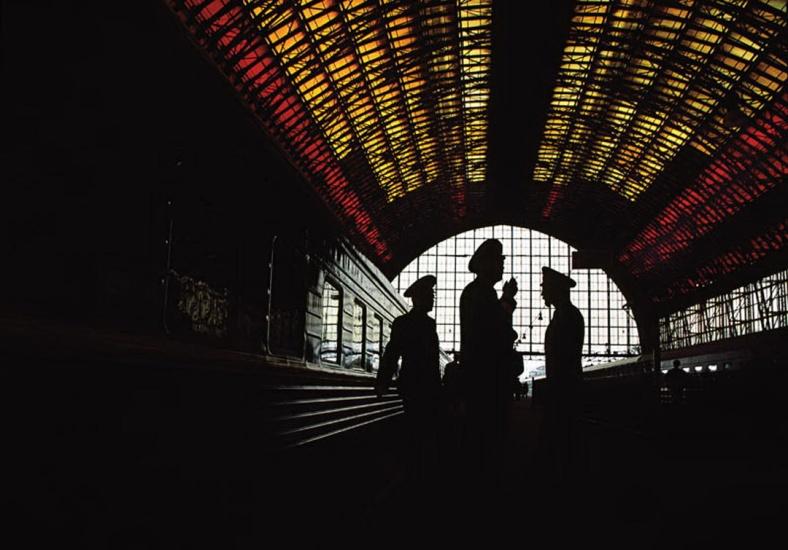 RUSSIA. Moscow. 1995.Kiev Station.